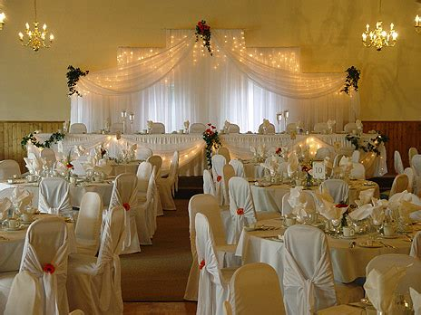 white gold wedding decorations gold white wedding decorations planning a wedding