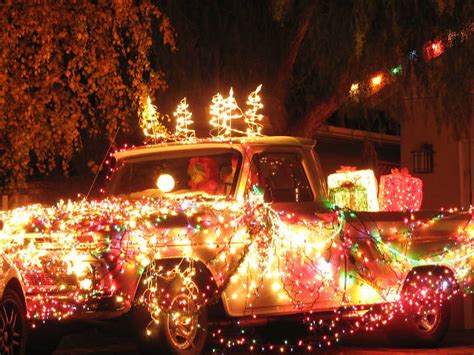 13 Best Places To See Christmas Lights In Los Angeles Best Lights Los Angeles