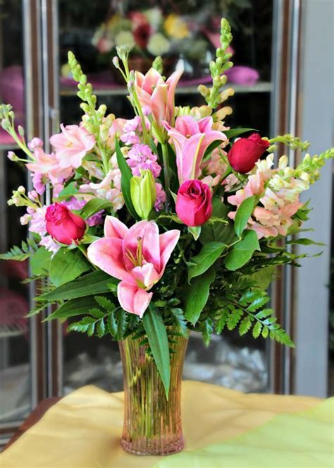 Best 25  Flower shop design ideas on Pinterest   Floral