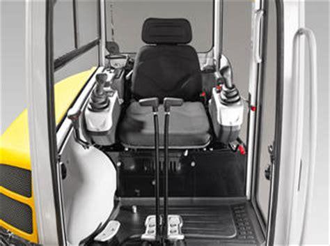 cabine per miniescavatori l escavatore compatto ez28 convince perch 233 232 ergonomico ed