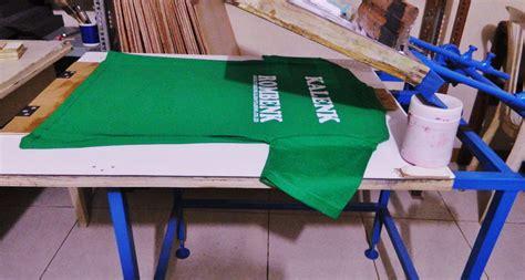 Kaos You Are Here A jasa sablon kaos murah di bandung pusatkonveksi
