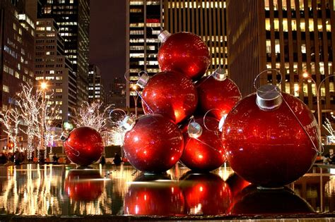 a little bit of ash spotlight on new york for the holidays