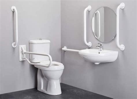 bagno invalidi perch 232 i sanitari per disabili hanno il buco avanti la