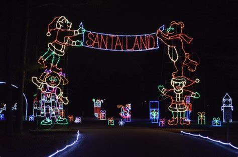 newport news park has the biggest christmas light show in