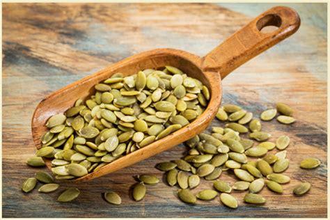 come cucinare i semi di zucca semi di zucca come prepararli e utilizzarli