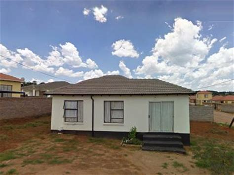 buying repossessed houses standard bank repossessed 3 bedroom house for sale for