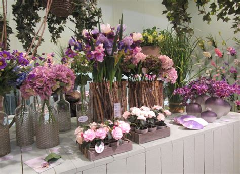 de gasperi fiori fiori presso lo stand edg milady magazine