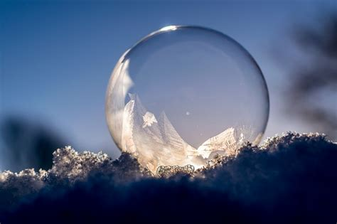 Mainan Salju Frozen Gel Magic Snow i fell into the orb rhyming verse