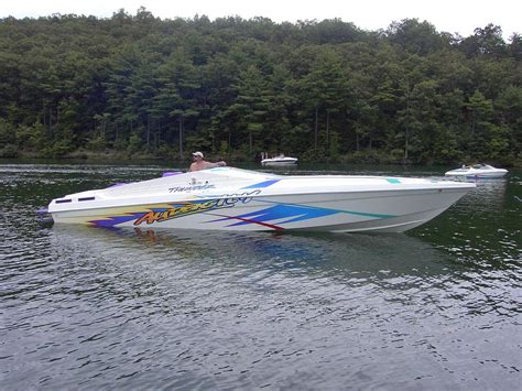 active thunder boats 32 thunder audacity boat