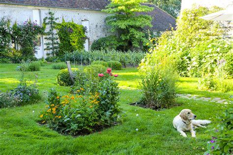 dans le jardin de 2070468186 promenade bucolique dans un jardin du vexin d 233 tente jardin