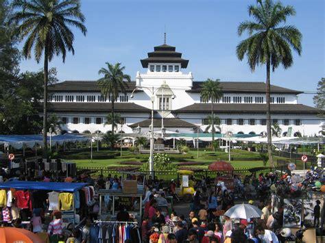 Sepatu All Di Pasar 10 tempat wisata belanja murah di bandung yang wajib