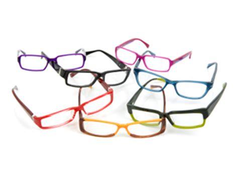 choosing eyeglass frames metals vs plastics and