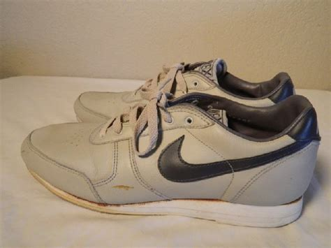 nike bowling shoes vtg nike x bowling shoes 1980 s vintage s size 9