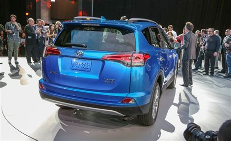 How Much Does A Toyota Rav4 Weigh 2016 Toyota Rav4 Hybrid Official Photos And Info News