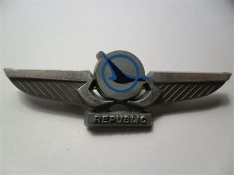 republic airlines plastic wings pin