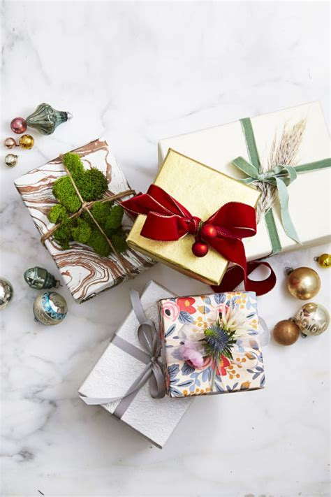 7 Tips For Wrapping Gifts by 35 Unique Gift Wrapping Ideas Diy Gift