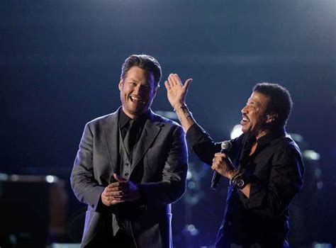 lionel richie e blake shelton lionel richie ousts minaj for billboard top spot