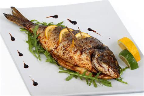 cucinare pesce al forno cucinare il pesce 3 semplici regole da seguire