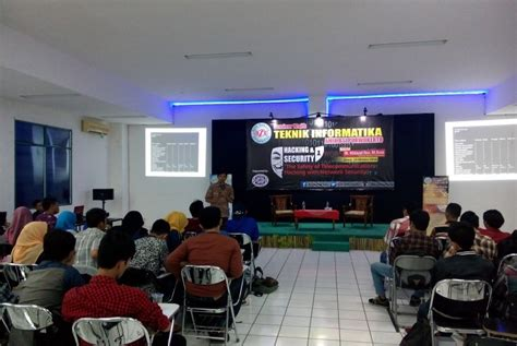 Cctv Purwokerto bsi purwokerto gelar seminar the safety of communication hacking with network security