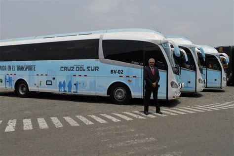 tur bus division industrial cruz del sur apuesta por servicio de transporte industrial