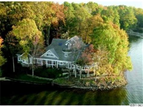beachfront houses for sale huntersville waterfront homes for sale