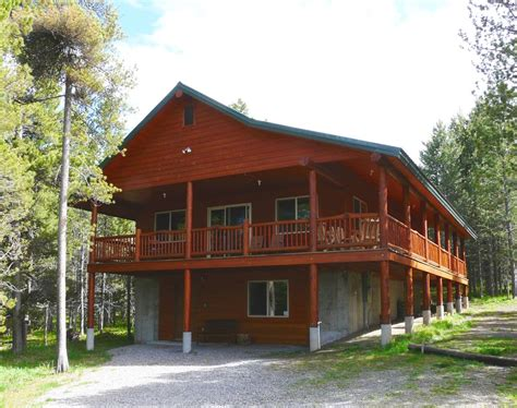 small 2 story 3 bedroom cabin with wraparound porch new spacious cabin close to yellowstone a vrbo