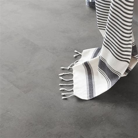 pavimenti adesivi pvc ristrutturare casa rivestire il pavimento