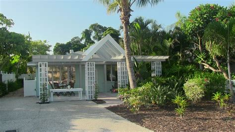 relaxing charming and tropical homeaway