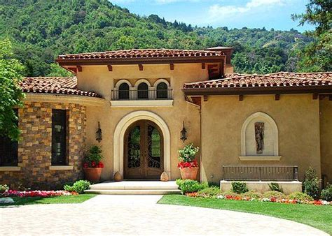 small mediterranean homes 25 best ideas about small mediterranean homes on pinterest mediterranean house exterior