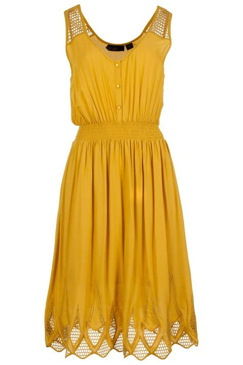 Mustard Dress by 25 Best Ideas About Mustard Yellow Dresses On