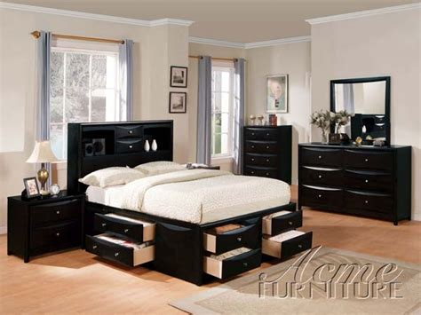 manhattan 6 piece king bedroom set cherry value city manhattan 6 piece bedroom set in black finish by acme 14110q