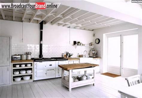 wandfliesen küche landhausstil k 252 chenschrank einrichtungen