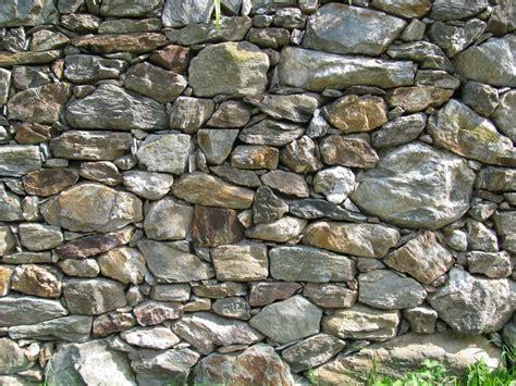 garten natursteine natursteine im garten setzen interessante akzente und