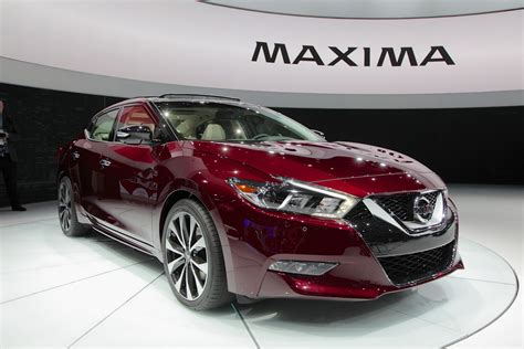 nissan ads 2016 2016 nissan maxima is lower longer and lighter