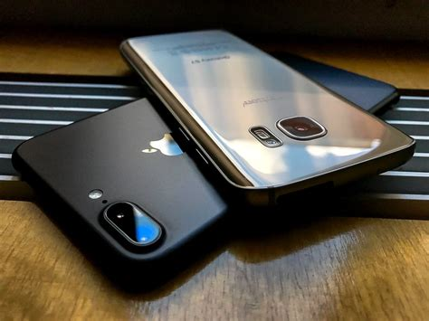 Harga Samsung S7 Edge Dan Iphone 7 Plus perbandingan bagus mana hp apple iphone 8 vs samsung