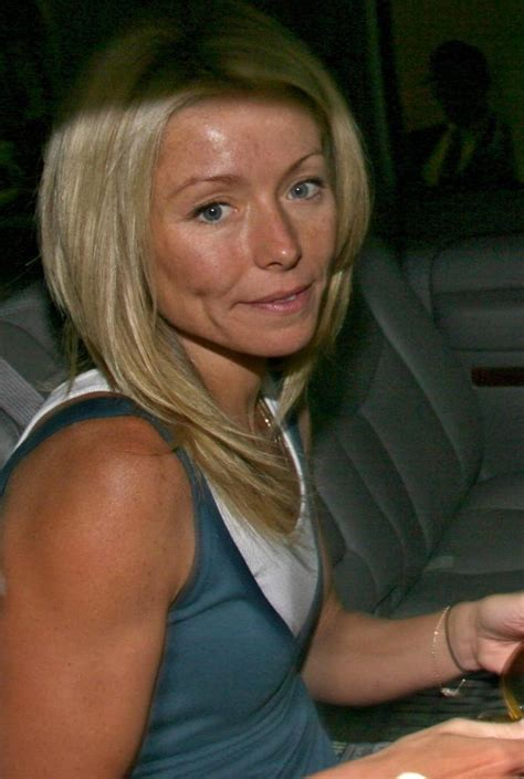 seriously i m no kelly ripa but i cut my hair similar kelly ripa no makeup the hollywood gossip