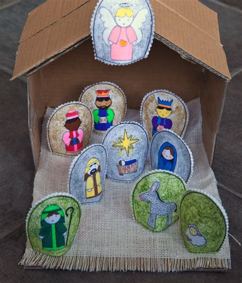 easy diy nativity set with free printable pretty prudent