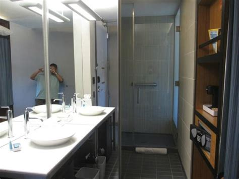 bathrooms com reviews bathroom picture of aloft denver international airport
