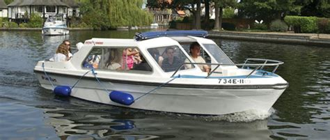 boat day norfolk broads day boat hire broads tours wroxham