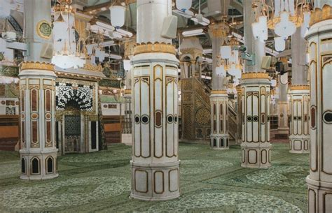 design masjid nabawi dibawah ini adalah layout tiang2 dalam masjid nabawi dan