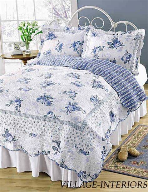 white comforter with blue flowers best 25 blue roses ideas on pinterest pretty flowers