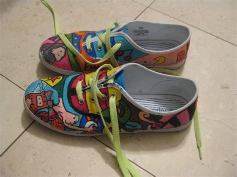 shoe paint shoes paint by thelanguidclown on deviantart