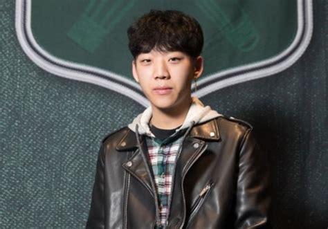 swings rapper quot high school rapper quot winner yang hong won joins swings