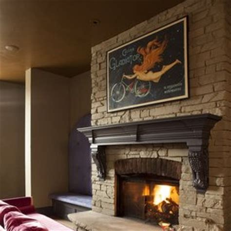 Bars With Fireplaces by Cozy Up 11 Cleveland Bars And Restaurants With Fireplaces