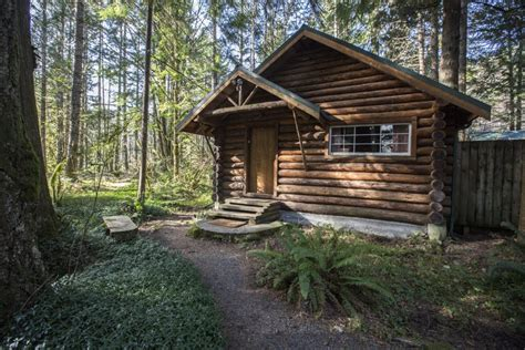 Log Cabin Vacations Get Cozy At Vacation Cabins Near Mount Rainier The