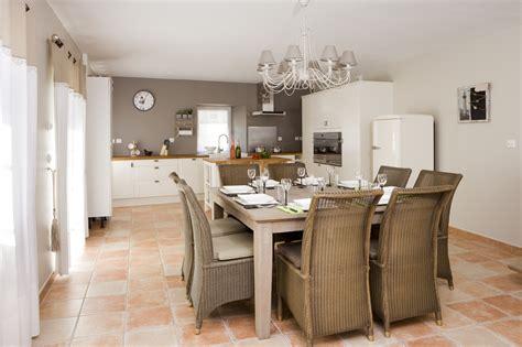 küche wohnzimmer zusammen fliesen grau anthrazit