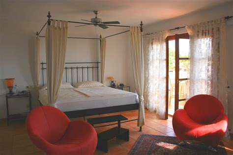 hauptschlafzimmer zusatz ferienhaus villa calma costa de la calma mallorca