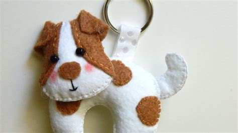 how to make a precious felt dog keychain diy style