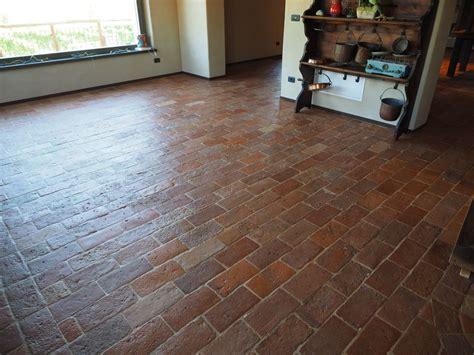 piastrelle cotto antico pavimento in cotto antico restaurato