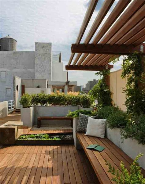 Patio Terrace by New York City Rooftop Garden Offers Views And Privacy